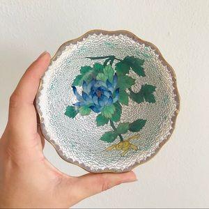 Vintage Jingfa brass cloisonné scalloped bowl